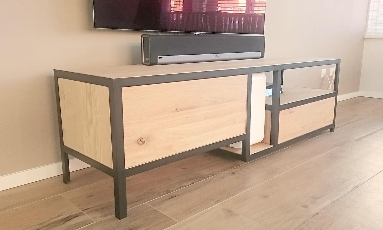 Hout En Staal Tv Meubel.Tv Meubel Staal En Hout Joyce Flendrie Interior Design